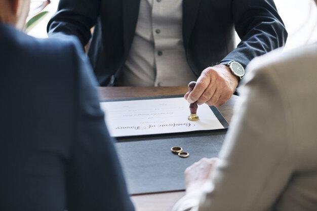 Divorce accepté : que prévoit l'article 233 du Code civil ?
